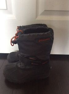 Kids Columbia winter boots excellent condition