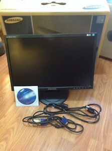 "Used 19"" Samsung LCD syncmaster 920nw Monitor in box"