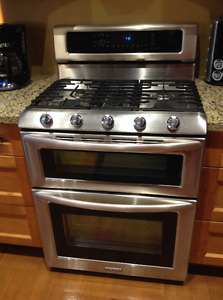 Kitchen Aid Duel Fuel Convenction Range Double Oven