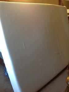 Queen Size Morory Foam mattress