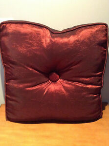 """BIG COMFY FLOOR PILLOW.....NEW! 27"""" X 27"""" NEVER USED!!!!"""