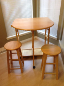 Small space dining tables
