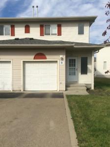 **Canyon Ridge Family Home-NE Edmonton**