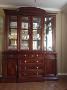 Beautifully crafted hutch