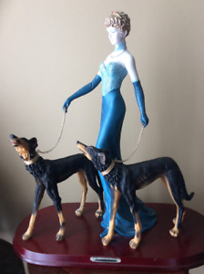 """Figurine """"Lady with 2 dogs"""""""
