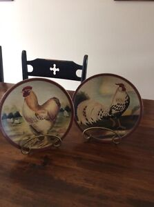 Decorative dishes with wall mounts