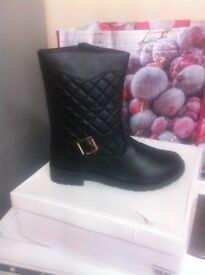 NEW!!!! Boots