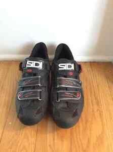 SIDI Size 9(US) or 42.5(Euro) Clip in Shoes