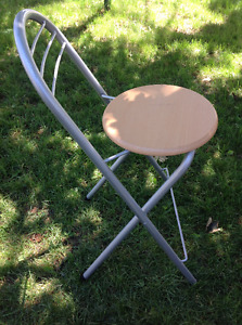 NEW FOLDING METAL FRAME HIGH CHAIR -EASY TO STORE OR MOVE AROUND