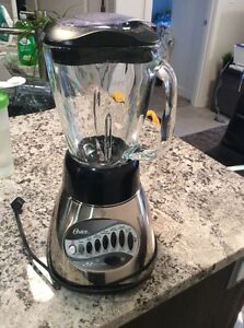 Oster blender, good condition $12
