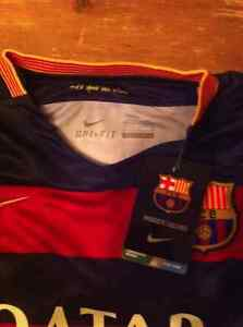 Jersey FC Barcelone Messi junior- taille M - Neuf Saguenay Saguenay-Lac-Saint-Jean image 2