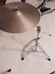 Cymbal stand (with boom) and vintage Lyn cymbal
