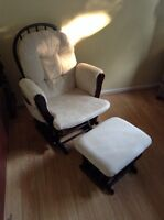 GLIDDER / ROCKER CHAIR WITH OTTOMAN - ROCKING CHAIR