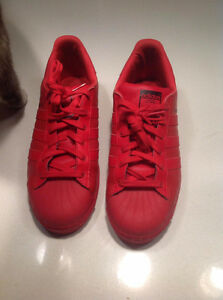Soulier Adidas rouge shoes