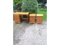 Dressing table and a pair of matching bedside cupboards very good condition