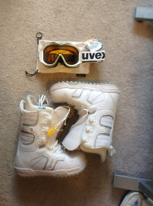 Used 8.5 Women's Burton boots, & brand new goggles with tag.