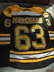 2011 Stanley Cup Autographed Boston Bruins Jersey