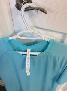 Lululemon cross tech ss tshirt new with tags attached Stratford Kitchener Area image 3