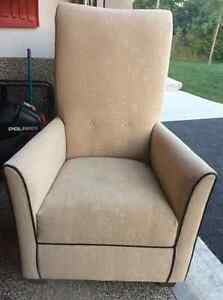 High back accent chair Cambridge Kitchener Area image 2