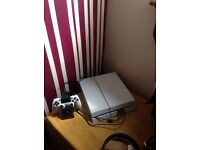 Ps4 White with games and headset