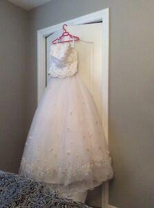 Never worn wedding dress