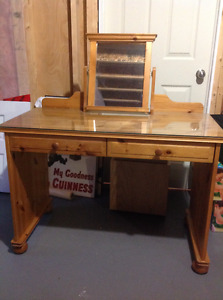 Ikea dressing table with removable mirror (pine)