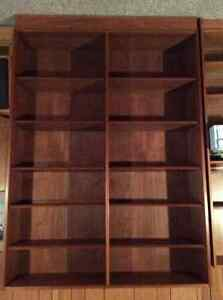 Bibliotheque en bois de teak / Teak bookcase