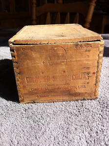 ANTIQUE SCHOOL CHALK BOX