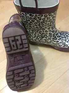 Rain boots from bib and tucker size 6 and 10 girls
