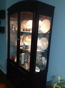 EXPRESSO cabinet, like NEW condition.