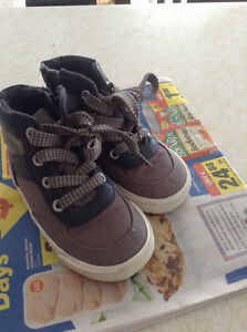 Old navy size 7 shoes
