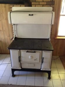 antique renfrew wood cook stove