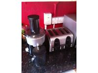 Juicer and 4 piece toaster BOTH TOGETHER £7 NEED TO SELL ASAP
