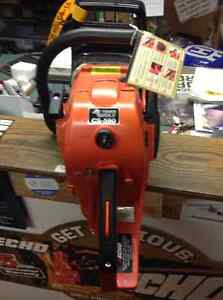For Sale Echo Timber Wolf 60 cc chainsaws with 18 in $499 Peterborough Peterborough Area image 3