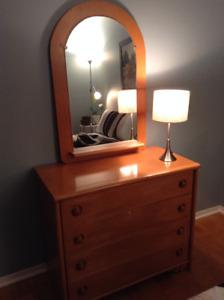 Mobilier chambre pour un lit simple en érable de marque Lépine