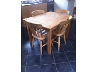 Dining table pine