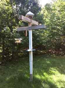 Station mangeoires d'oiseaux