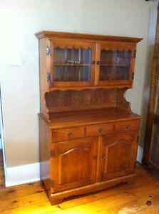 """""""Roxton"""" style display cabinet/hutch"""