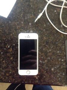 iPhone 5S 32 GB Unlocked White