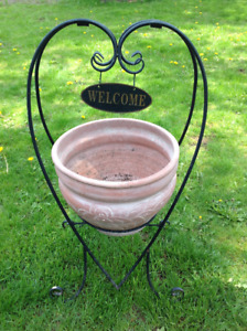 """31""""H """"WELCOME HOME"""" metal sign w/ceramic pot -  16""""W x 31""""H"""
