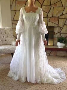 Vintage White Flare Lace Wedding Dress