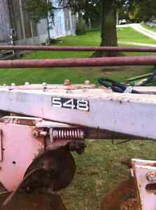 White 548 - 4 furrow plow Stratford Kitchener Area image 4