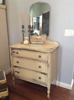 Beautiful shabby chic antique dresser with mirror only $350!!