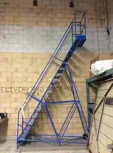 16 Step Industrial Rolling Ladder