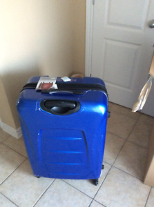 "Brand new Samsonite Winfield 2 28"" polycarbonate suitcase"