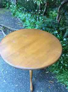 Wood round table North Shore Greater Vancouver Area image 2