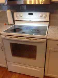 Whirlpool Electric Range with self cleaning Convection oven. Strathcona County Edmonton Area image 1