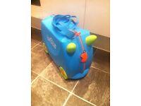 Trunki kids travel suitcase