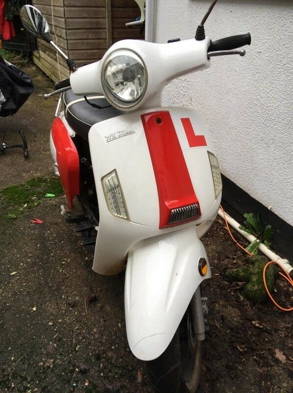 50cc scooter, Vespa styled (repair project)
