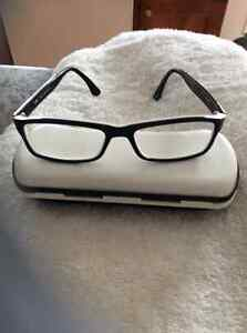 Fatto and Mano designer eye glasses